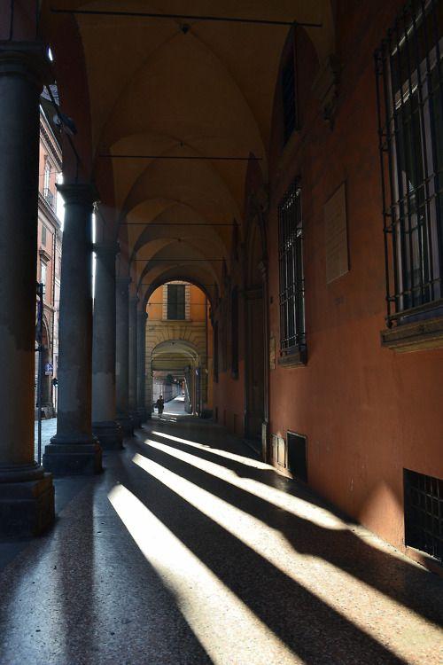 Archway - Bologna , Emilia Romagna , Italy  #columns #light