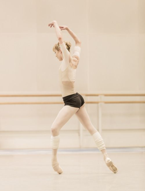""""""" Sarah Lamb in rehearsal for Tetractys - The Art of Fugue © Johan Persson """""""