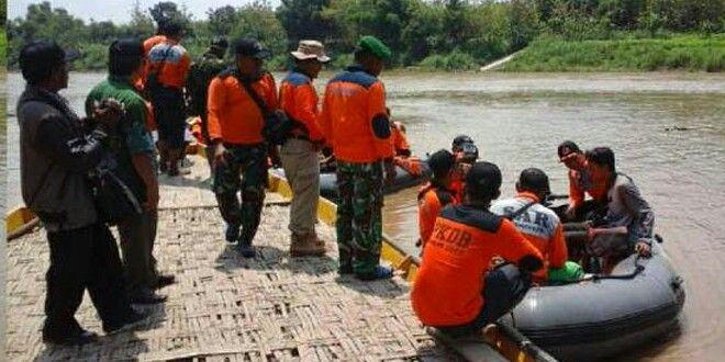 Tim SAR Gabungan Siaga Dalam Rangka Kesiapsiagaan Menghadapi Ancaman Bencana Banjir http://www.tniad.mil.id/?p=85052