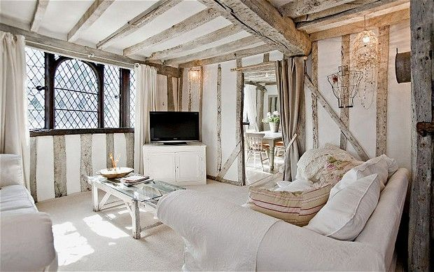 Two Tudor Houses In Pictures Tudor House House And