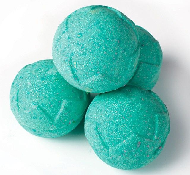 This bath bomb, named after the ruler of the Pagan Feast of Fools, has a strange and magnificent fragrance created by Gorilla Perfumer Simon Constantine. This bomb will slowly dissolve to reveal a wine coloured centre, with the added sweetness of the world's first fair trade vanilla absolute, perfectly balanced by the earthy scents of black pepper and patchouli oil. £3.30