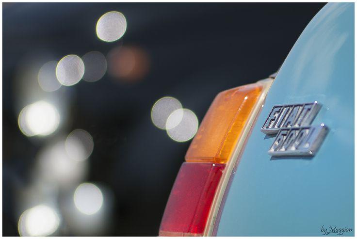 #Fanalino di una #Fiat500 #azzurra http://www.palmanovaoutlet.it/it