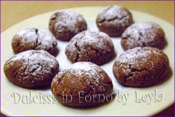 Solo 3 ingredienti per i Biscotti alla nutella... potete iniziare anche adesso ! Sono pronti in meno di 30 minuti ! Perfetti per la #nottefood #unanottedamangiare #nightfood http://blog.giallozafferano.it/dulcisinforno/biscotti-alla-nutella-ricetta-veloce/