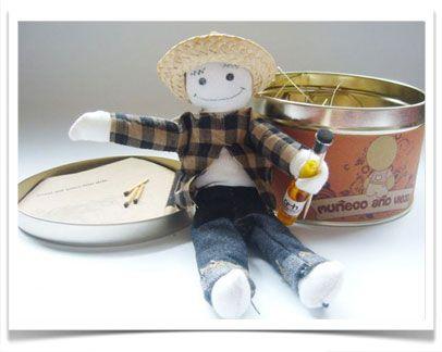 Muñeco de Año Viejo (Kit)  Para aquellos que tenemos ganas de quemar algunas cosas del año que está por terminar.