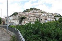 Montelapiano http://www.borghiabbandonati.com/montelapiano-ch-il-piu-piccolo-borgo-dabruzzo/ …