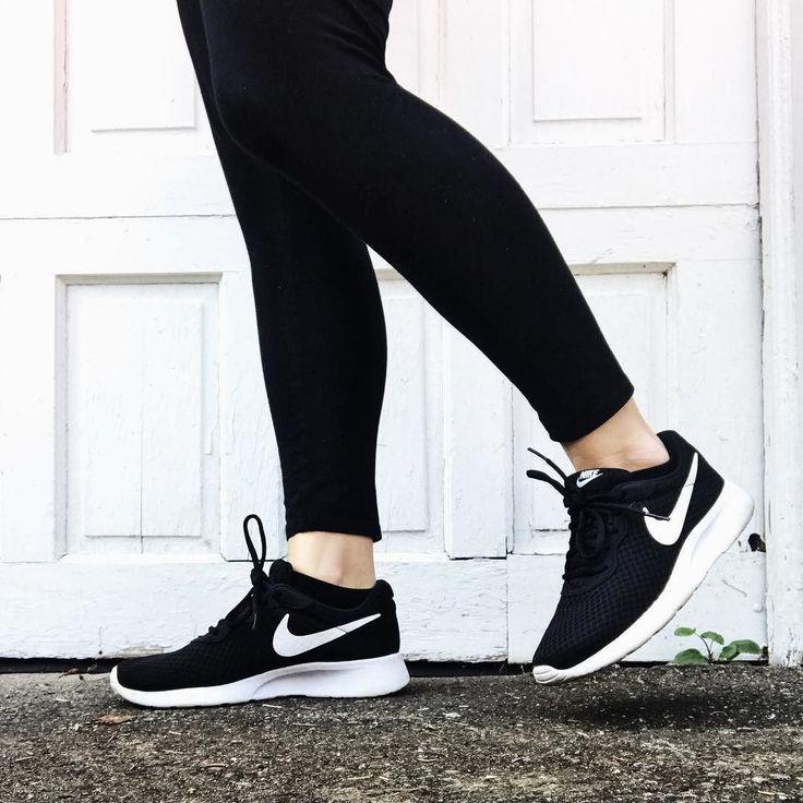 Nike Tanjun Women's Shoes. Nike.com | Black nike shoes, Nike ...