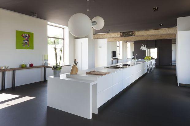 Verlaten schoolgebouw wordt ruime en lichte gezinswoning - Renovatie - Ik Ga Bouwen.be