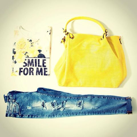 #bags #shirt #jeans #denim #style #look #outfit #moda #fashion #yellow #spring