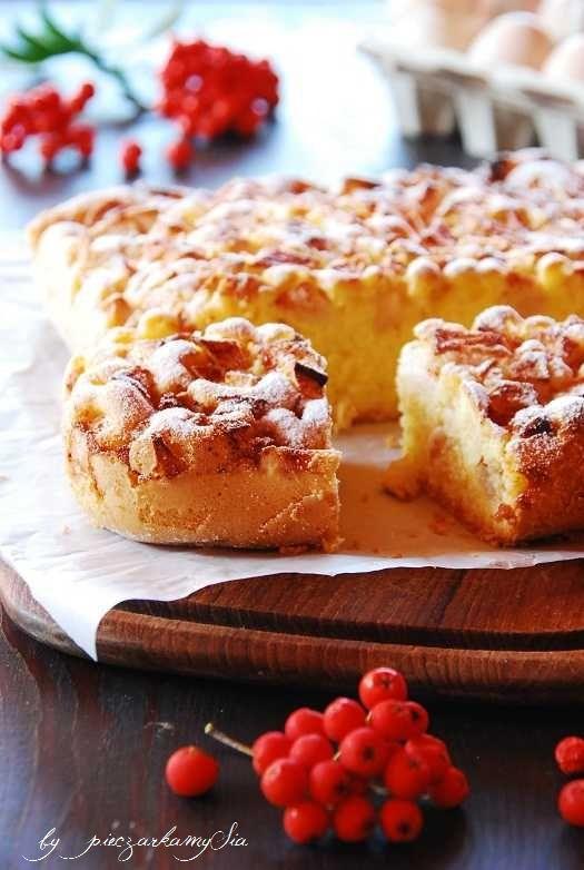 łatwe i puszyste ciasto z jabłkami i orzechami włoskimi | Słodkie Przepisy Kulinarne