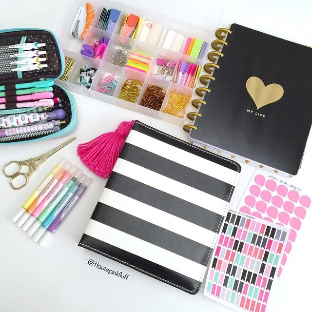 Some new planner goodies including The Happy Planner that I want to use for scrapbooking, gel highlighters, and these cute page flags and drops from @planitonpaper that match my Heidi Swapp memory planner.