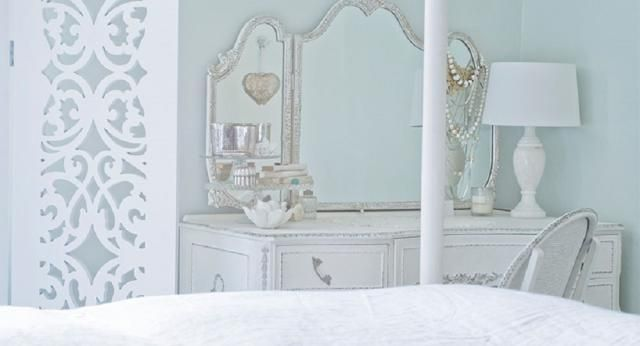 10 Relaxing, Yet Sophisticated, Paint Colors for the Bedroom: Pavilion Blue