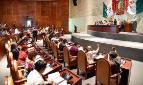 """Buscan preservar la """"Guelaguetza"""" como patrimonio cultural, diputados"""