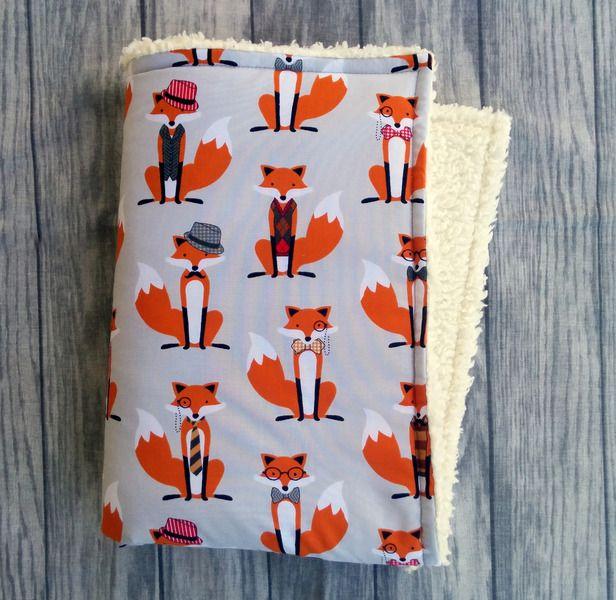Kuscheldecke, Kinderwagendecke Fuchs // buggy, pram blanket with foxes by Kleinster Herzebär via DaWanda.com