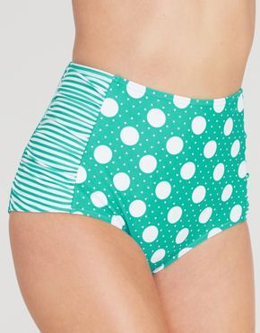 Crushing on these pin up style bikini bottoms from @figleaves.com  The matching top is to die for!   #Sponsored #MC