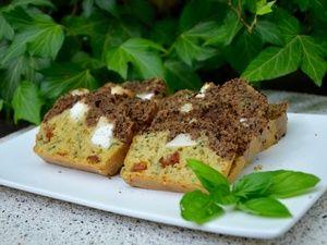 Cake aux deux tapenades, chèvre et basilic - La p'tite cuisine de Pauline