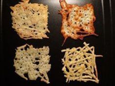 Máte návštěvu a minulo se vám slané nebo sladké pohoštění? Předpokládám, že v ledničce vám zůstal nějaký sýr, proto šup na přípravu domácích sýrových chipsů.