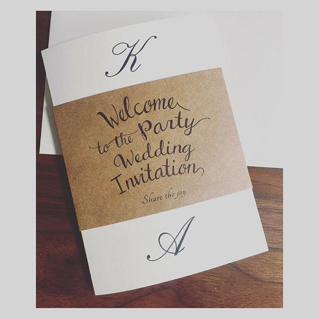 招待状はピアリーさんの手作りキットで 手作りしました(^^) 中には、 ご招待の挨拶文と 挙式&レセプションパーティーの詳細  他にゲストの方からは 服装についての質問をよくされるとアドバイスを受け、 服装についての文を入れました◡̈* #プレ花嫁 #ハワイウェデング  #ガーデン挙式  #レセプションパーティー #招待状 #招待状手作り #ピアリー #piary