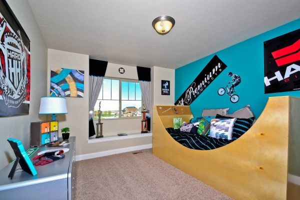 BMX bike themed room - love the half pipe bed