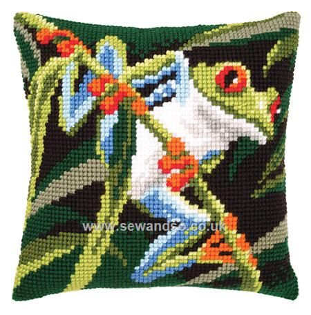 Green Frog Cushion Front