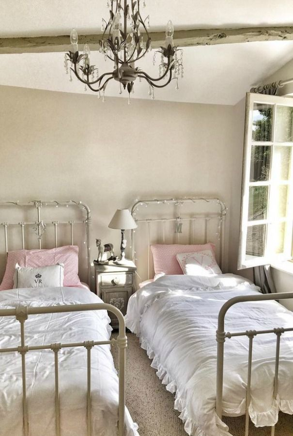French Farmhouse Kids Bedroom With Twin Metal Panel Beds And Pink Accents By Vivi Et Margot French Country Bedrooms French Farmhouse Decor French Country Rug