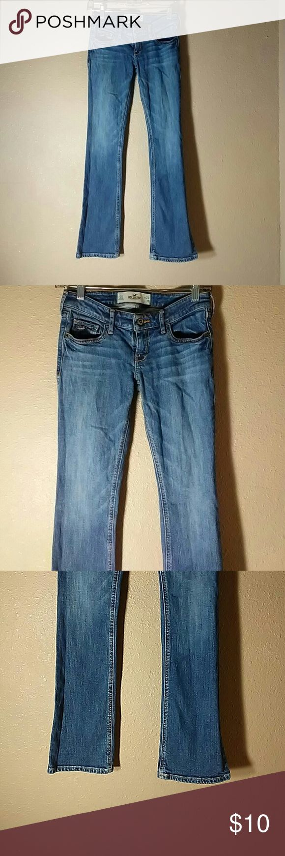 Hollister Boot Cut Jeans Good condition Inseam 31 inches slight fraying at the bottom Hollister Jeans Boot Cut