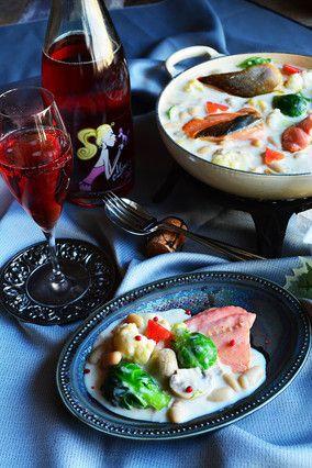 チーズで濃厚ほっこり♪いんげん豆とサーモン入り白い鍋|レシピブログ