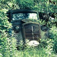 Opuszczone miejsca w Polsce. Opuszczony szpital psychiatryczny w Otwocku oraz cmentarzysko samochodów w Grodzisku Mazowieckim. Poznaj historie tych miejsc!