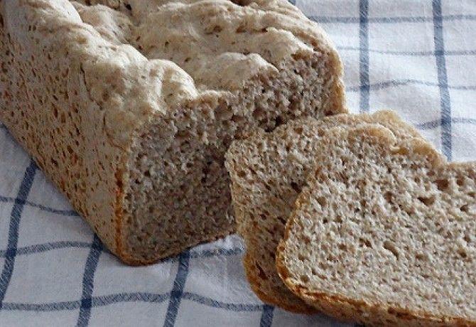 Rozsos kenyér kenyérsütő géppel