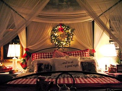 i love everything about this. Christmas Beds, Christmas Wreaths, Christmas Time, Christmas Bedrooms, Master Bedrooms, Canopies Beds, Christmas Decor, Bedrooms Decor, The Holiday