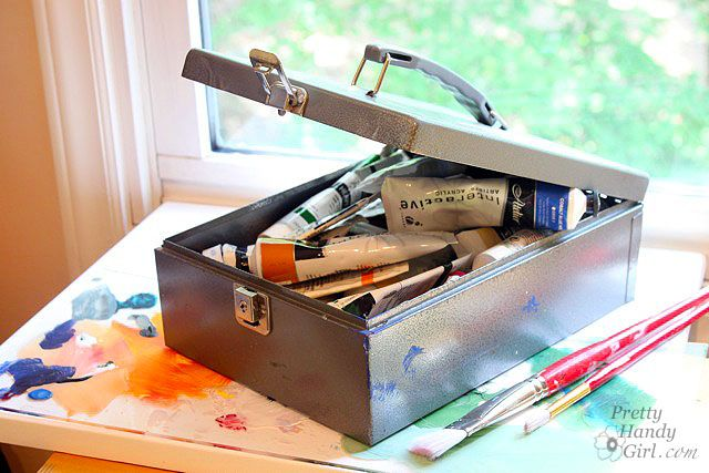 paints-in_cash_box.jpg (640×427)