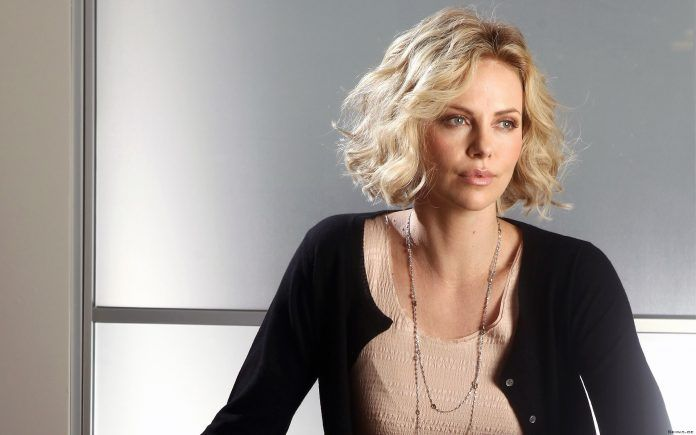 Charlize Theron Pretty Actress Wallpaper - HD Wallpapers - Free Wallpapers - Desktop Backgrounds
