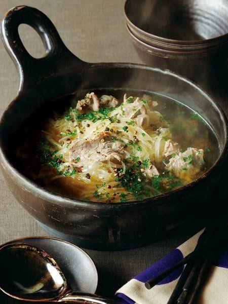 【ELLE a table】牛しゃぶ肉と千切り大根の鍋レシピ|エル・オンライン
