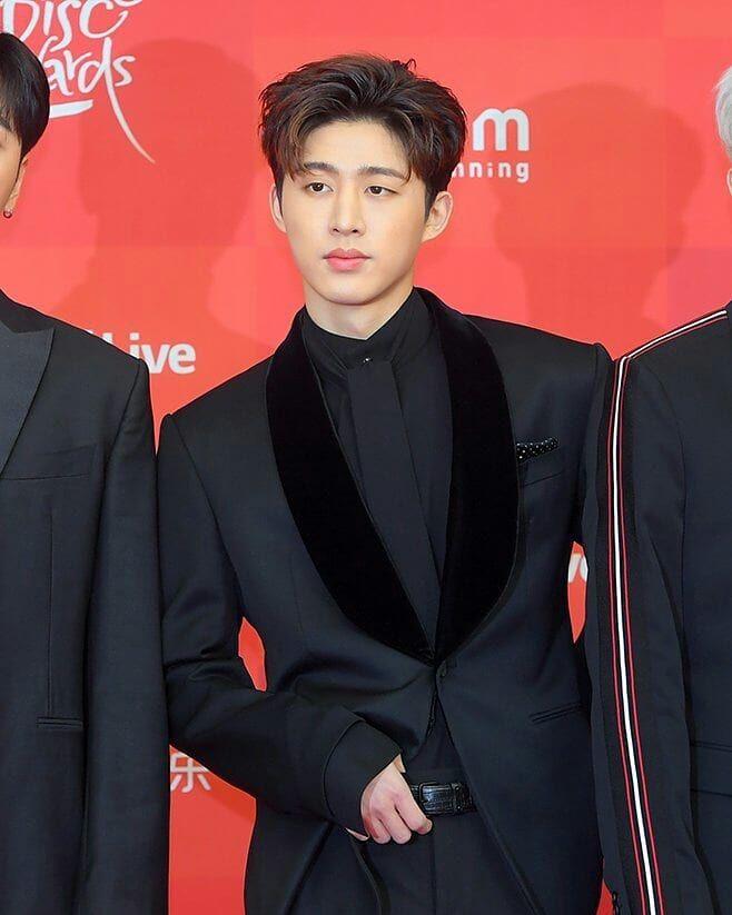 Ikon B I Hanbin Updates Di Instagram He Is Glowing My Eyes A Ikon Kpop Kim Hanbin Hanbin