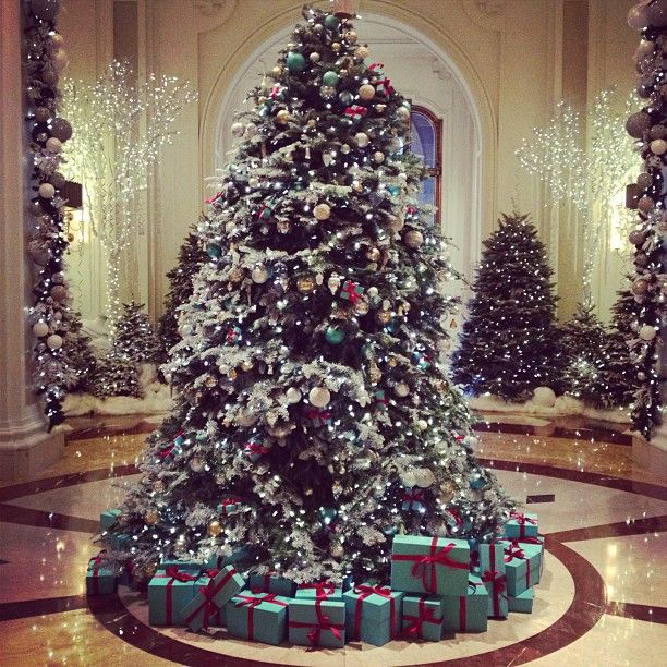 Tiffany And Co Christmas Ornaments Part - 26: Beverly Wilshire Hotel Tiffany Christmas Tree, What Better Place?