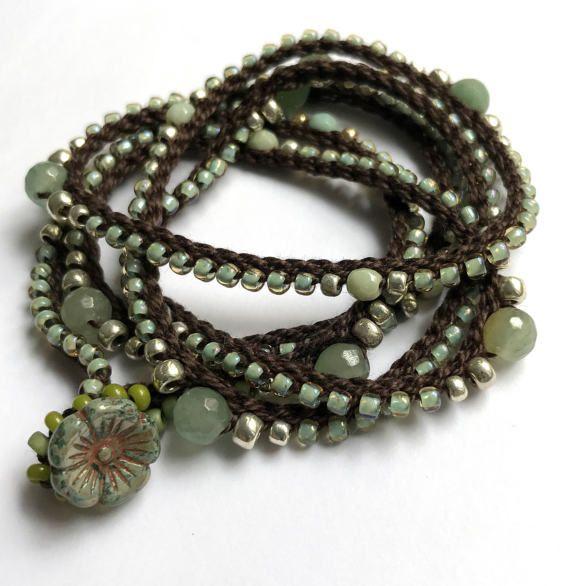 Mare verde uncinetto avvolgere il bracciale o collana