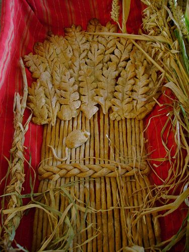 "Lammas Bread by London Permaculture via Flickr. This is one of the most lovely lammas breads I've seen! Love how they made ""leaves"" for the top!"