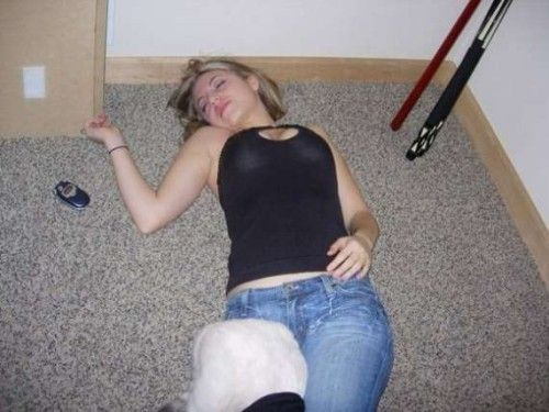 фото сплячих пяних голих дівчат