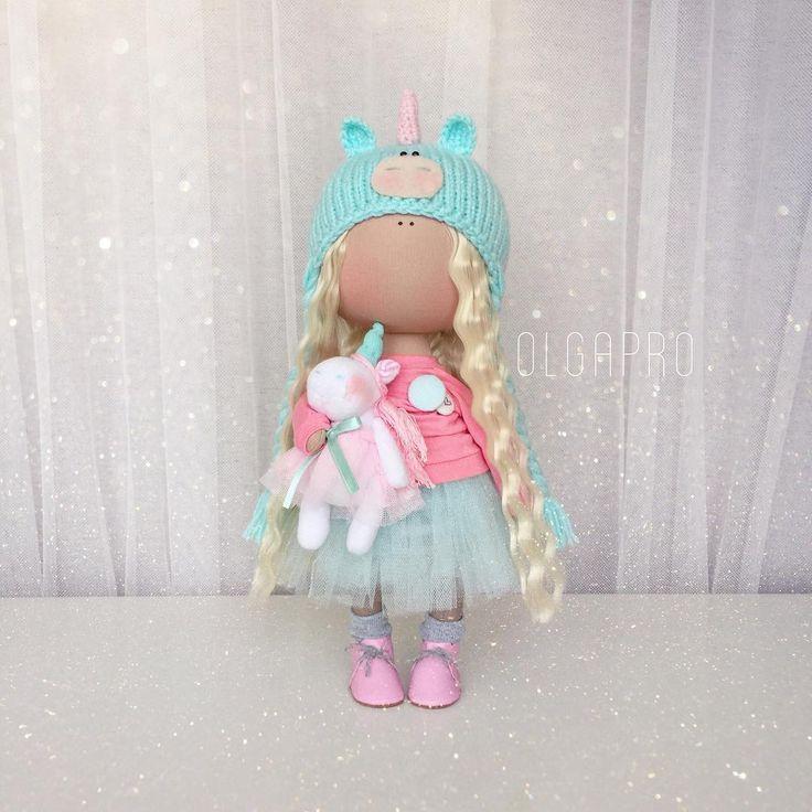 ПРОДАНА ⛔️В наличии  малышка-единорожка, приносит волшебство✨✨✨ #мастеркласс#мк#кукла#ручнаяработа#handmade#textiledesign#dollmaker#набордлясозданиякуклы#доченька#девочка#ткань#doll#вязание#кукланазаказ#трикотаж#хлопок#творчество#маманастиле#пуговицыизткани#amigurumi#amigurumitoy#paolareina#crochetdoll#fabricdoll#interiordoll#кукланазаказ#фатин#блайз#blythe