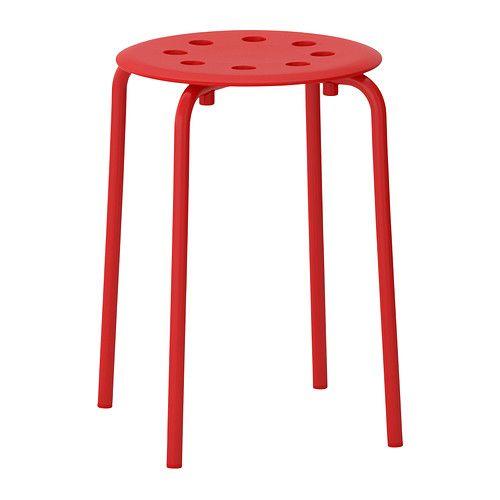 IKEA - MARIUS, Kruk, De kruk is stapelbaar en neemt dus minder plaats in als hij niet wordt gebruikt
