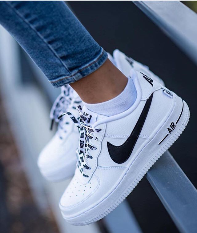 Sneakers fashion, Outfit shoes, Sneakers