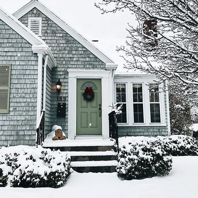 Holiday time in New England via @jessannkirby