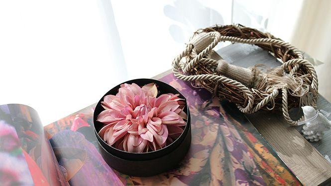 ダリアのヘッドドレス モーヴ http://www.fleuriste-glycine.jp/