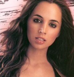 Eliza Dushku first came to my attention in Buffy the Vampire Slayer, where her erratic body movements akin to St Vitus Dance first clued me in to her diseased crotch.  But I could have equally pointed out that even when she is clean she looks like she needs a shower.  I hope she has a ready supply of Balance Activ.