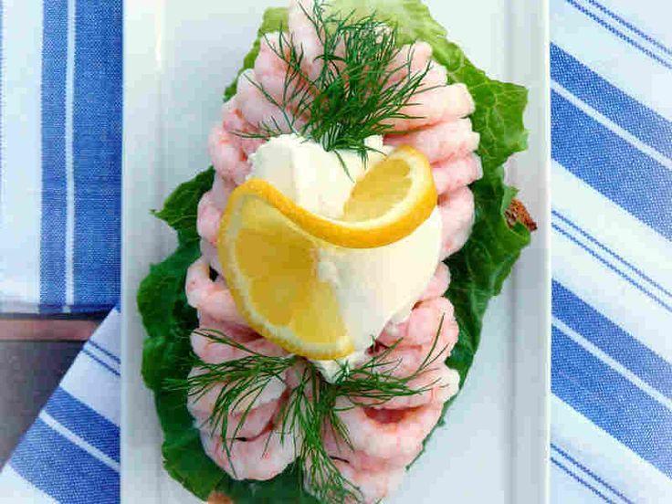 Shrimp smorrebord