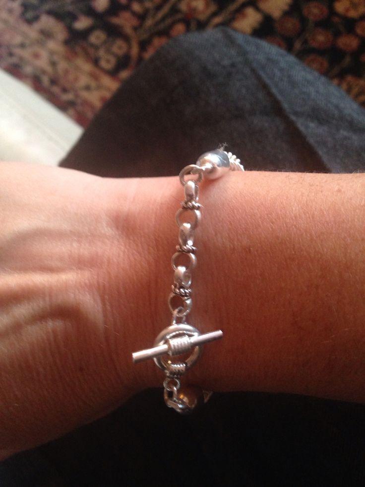 Silver & knot bracelet By Nur