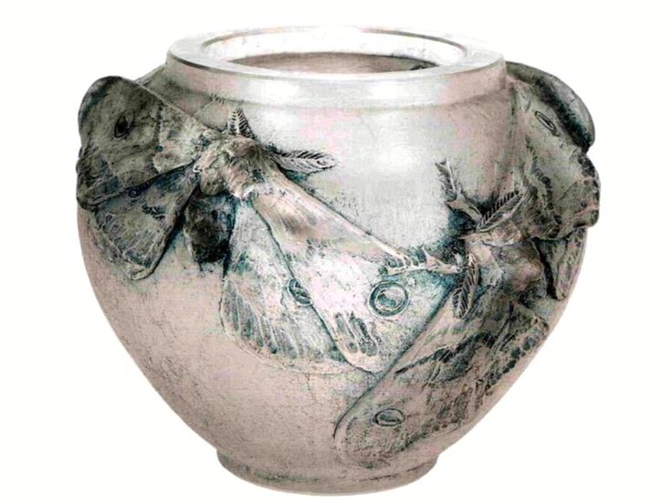 Lalique 'Butterflies' Vase, 1913: clear patinated glass, 12cm, signed 'Lalique' on the base | (c) Carlos Azevedo, www.scalarchives.com (livejournal.com)