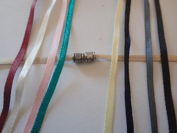 Retrouvez cet article dans ma boutique Etsy https://www.etsy.com/fr/listing/514335240/bracelets-tonneaux-bracelets-en-satin