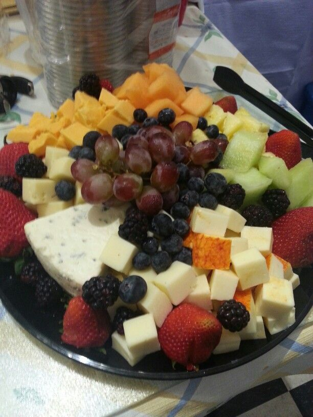 Cheese & fruit platter, perfect for any party.