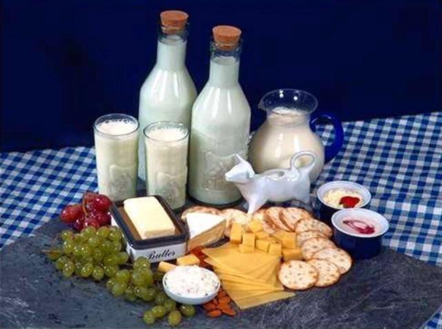 Boy uzatan yiyecekler ve besinler nelerdir? - Boy uzatan besin, içecek, sebze ve yiyecekler: süt, süt ürünleri, peynir, brokoli, tavuk eti, muz, Yulaf ezmesi, balık, yumurta, ıspanak, kuru meyveler, fındık, batem, fıstık, kabak çekiğrdeği, susam, yeşil yapraklı sebzeler ve soya fasülyesidir.    B fakat …