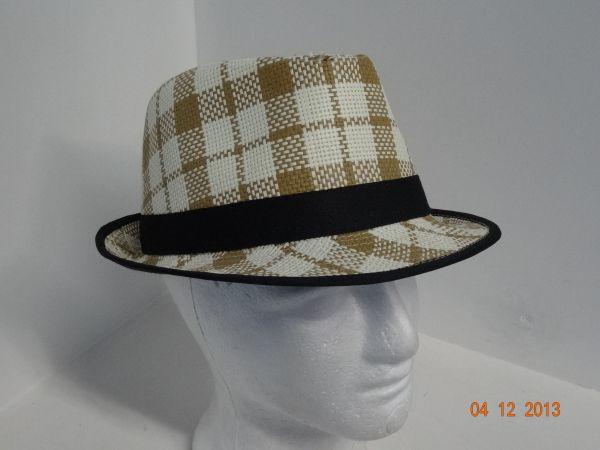 Sombrero clásico a cuadros para toda ocasión.  FiestasTematicasCali   DecoracionFiestasCali  212e1b64ab2